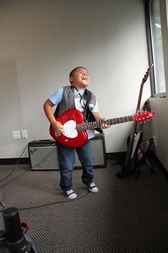 Guitar Lessons at Backbeat Music Academy, Beaverton, OR